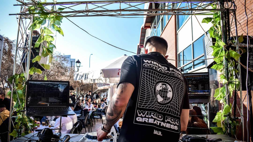 Emusic Lab DJs Carlos Iniesta